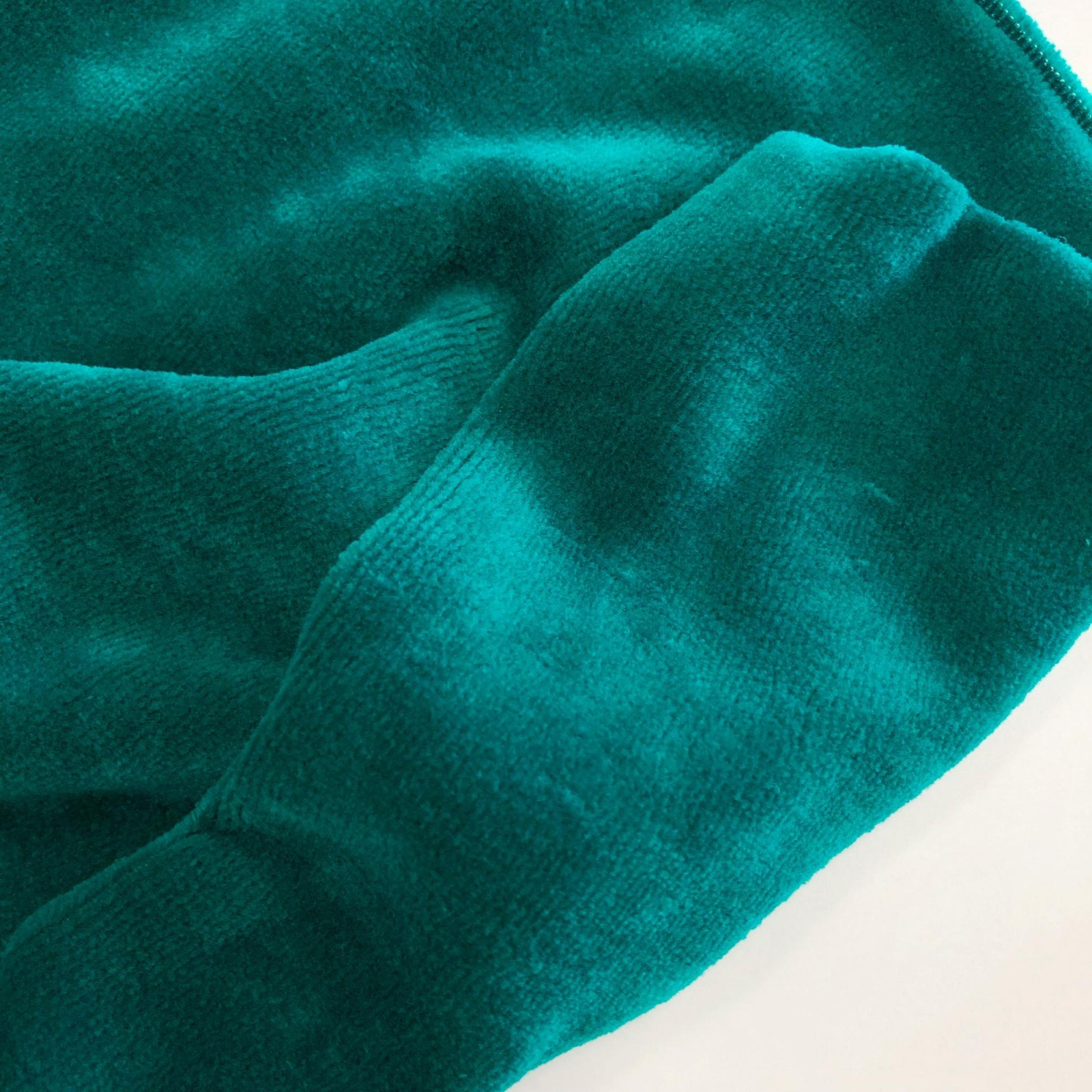 Велюр изумрудный ткань купить купить курточную ткань с детским принтом
